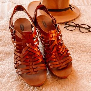 NWOT Dr. Scholl's Strappy Boho Wedge Size 10